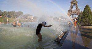 پیرس میں گرمی کی شدید لہر، درجہ حرارت 47 ڈگری تک بڑھنے کی پیشگوئی