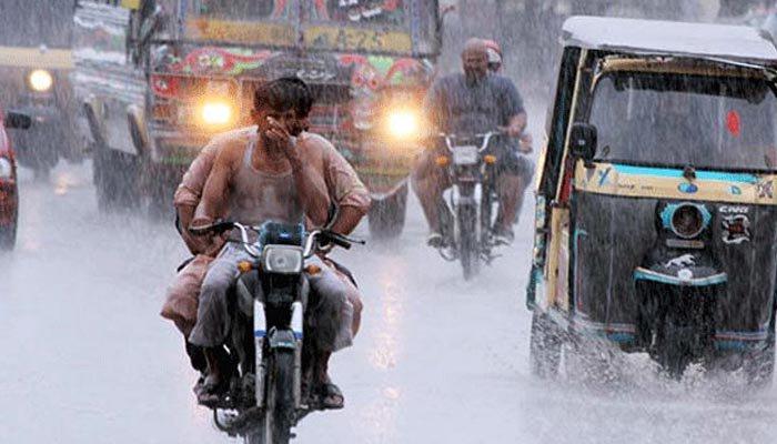 کراچی سمیت سندھ کے مختلف شہروں میں ہلکی تیز بارش