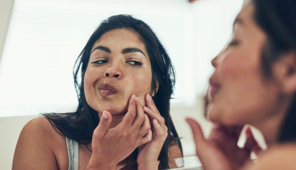 چہرے کے مسّام کُھلنے کی اہم وجوہات جانیے