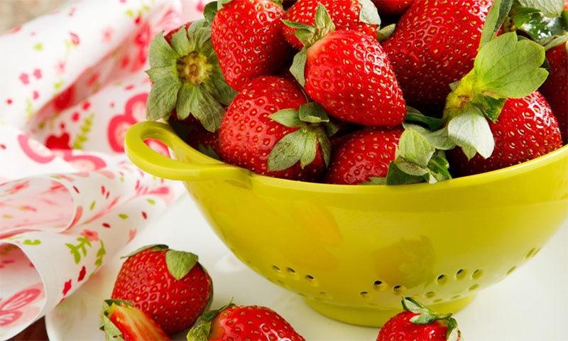 یہ سرخ پھل کھانا عادت کیوں بنانا چاہیے؟